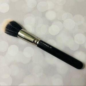 MAC Full Size 187 Brush